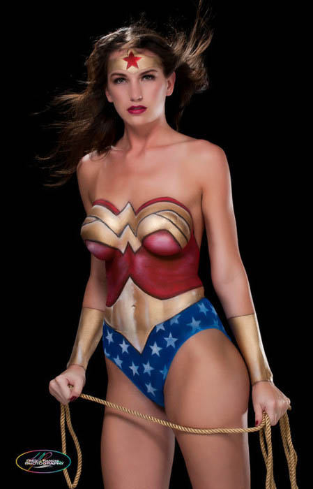Cool wonder woman body paint the scarydad podcast for Best body paint pics